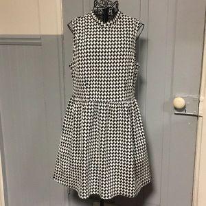 Forever 21 Houndstooth Print Sleeveless Knit Dress